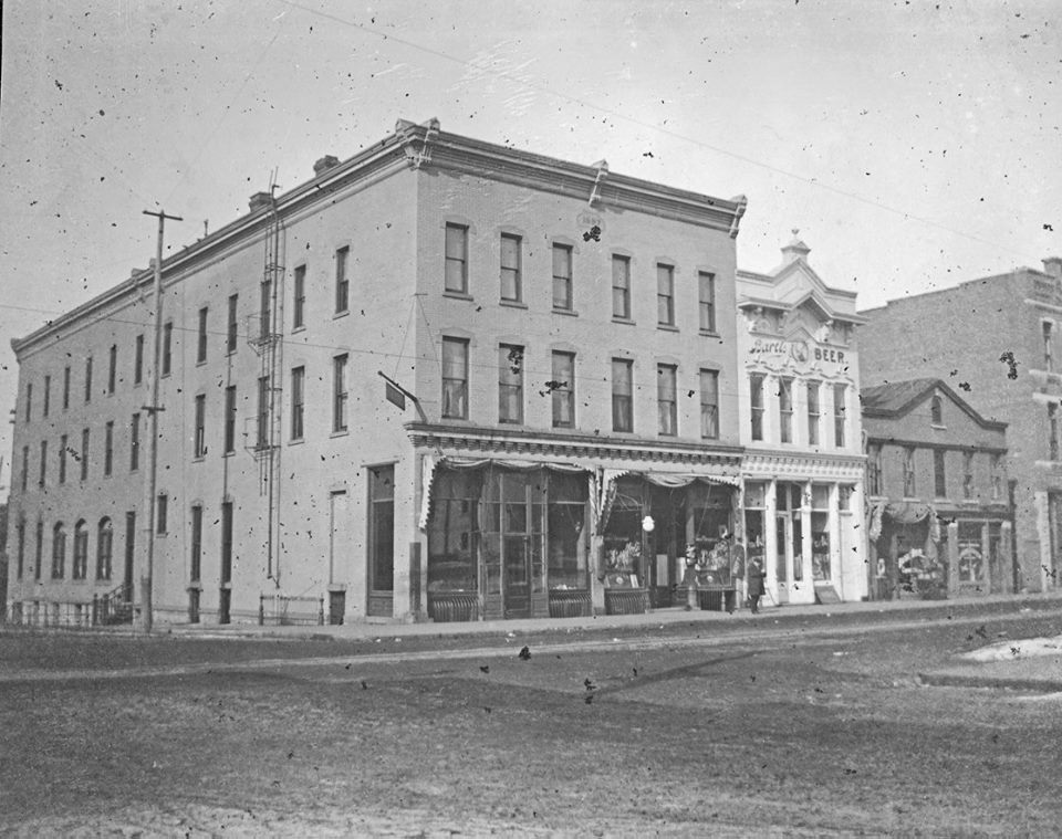 Wettstein S Cur Building Was Built In 1897 As The La Crosse Hotel It Seen Here Before Facade Painted And Again Roximately 1915